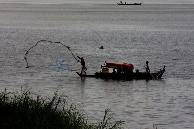 Fishing in the Mekong River, Phnom Penh, Cambodia 2013